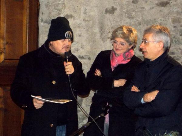 Presentazione Almanacco Pontremolese 2018 con Adelmo Fornaciari (Zucchero) con il Sindaco Lucia Baracchini e il Sottosegretario alla giustizia Cosimo Maria Ferri il 17 dicembre 2018 nel castello del Piagnaro.